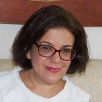 Dr. Arminda Gomes - Online Therapist with 13 years of experience