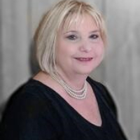 Lora DeLapp - Online Therapist with 3 years of experience
