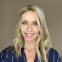 Amanda Bickett - Online Therapist with 14 years of experience