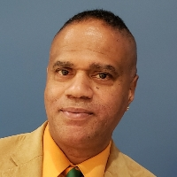 Reynolds Hawkins  Jr - Online Therapist with 32 years of experience