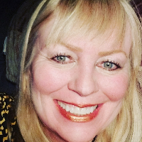 Dr. Bonnie Floyd - Online Therapist with 20 years of experience