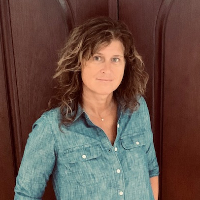 Julie Guido - Online Therapist with 28 years of experience