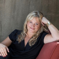 Bettina Thomsen - Online Therapist with 15 years of experience