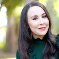 Laura Phillips  - Online Therapist with 8 years of experience