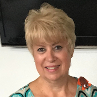 Adlin De Cardi - Online Therapist with 25 years of experience