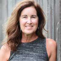 Leslie Davis - Online Therapist with 20 years of experience
