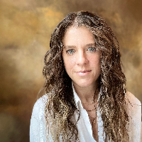 Elizabeth Bell - Online Therapist with 14 years of experience
