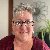 Robin  Johnson  - Online Therapist with 12 years of experience