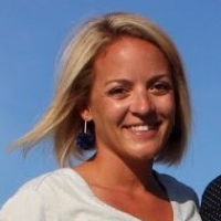 Dina McNaughton - Online Therapist with 7 years of experience