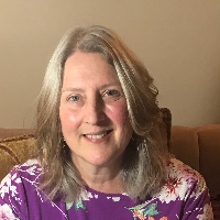 Lisa Edmunds - Online Therapist with 32 years of experience
