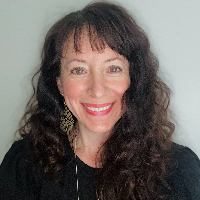 Andrea  Castro  - Online Therapist with 19 years of experience