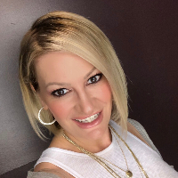 Danielle Day - Online Therapist with 12 years of experience