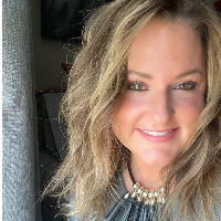Lindsay Powelson - Online Therapist with 15 years of experience