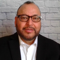 Howard Acosta - Online Therapist with 21 years of experience