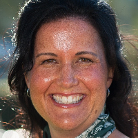 Lianne Avila - Online Therapist with 20 years of experience