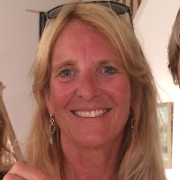 Dianne Brown - Online Therapist with 23 years of experience