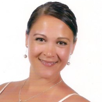 Elizabeth Santiago - Online Therapist with 14 years of experience