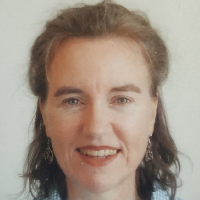 Helen Carter - Online Therapist with 15 years of experience