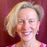 Noelle Vignola - Online Therapist with 31 years of experience