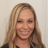 Amanda  Neibaur has 8 years of experience