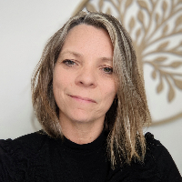Sally Collins - Online Therapist with 12 years of experience