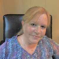 Stephanie Shwed - Online Therapist with 35 years of experience