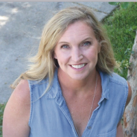 Kathryn Tromans has 20 years of experience