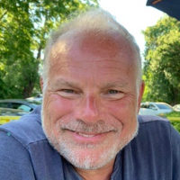 Neil Becker - Online Therapist with 10 years of experience