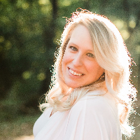 Rebecca Canzonieri  - Online Therapist with 5 years of experience