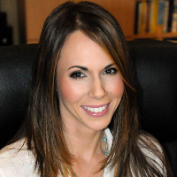 Arianna Fernandez - Online Therapist with 12 years of experience