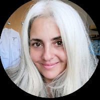 This is Ana Bulnes's avatar and link to their profile