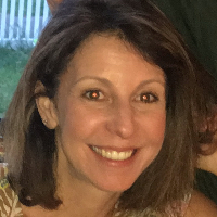 Elizabeth White - Online Therapist with 3 years of experience