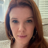 Suzanne  Riley  - Online Therapist with 6 years of experience