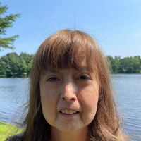 Lesley Gustafson - Online Therapist with 39 years of experience