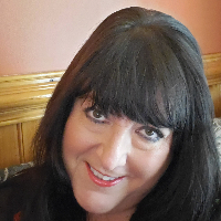 Karen Everett - Online Therapist with 35 years of experience