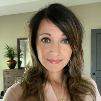 Emily Moore - Online Therapist with 15 years of experience