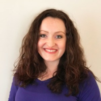 April Pomerlyan - Online Therapist with 4 years of experience