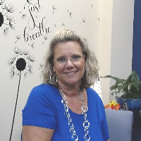 Kim Quintero - Online Therapist with 28 years of experience