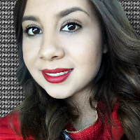 This is Yesenia Acosta's avatar and link to their profile