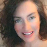 Roxanne Hotchkiss - Online Therapist with 25 years of experience