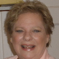 This is Linda Giles's avatar and link to their profile