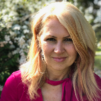 Alina Ghitea - Online Therapist with 6 years of experience